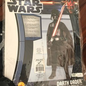Boys size 4/6 Star Wars Darth Vader costume.
